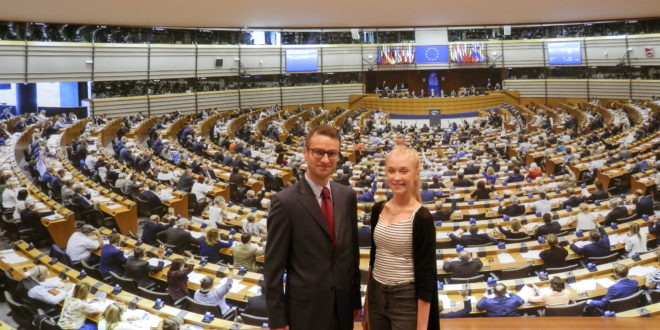 Europoseł Tomasz Poręba już po raz kolejny gościł w Brukseli laureatów mieleckich konkursów