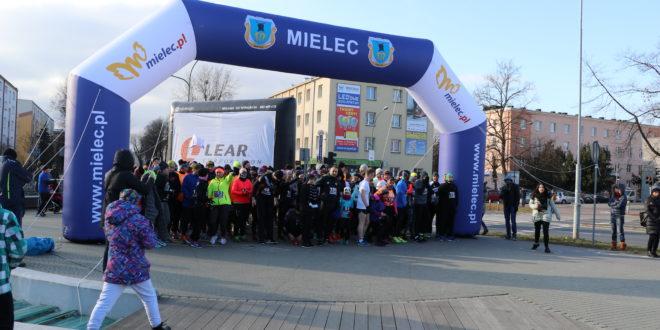 """Bieg WOŚP w Mielcu  """"Policz się z cukrzycą i ucz się pierwszej pomocy"""" [188 zdjęć]"""