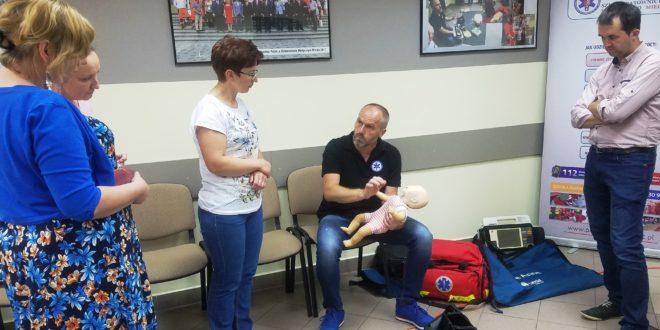 Kurs pierwszej pomocy dziecku – dla odpowiedzialnych, ale zabieganych