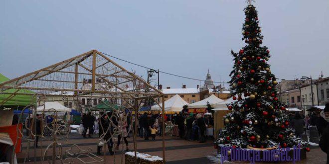 Mielecki Jarmark Świąteczny w zimowej scenerii [61 zdjęć]