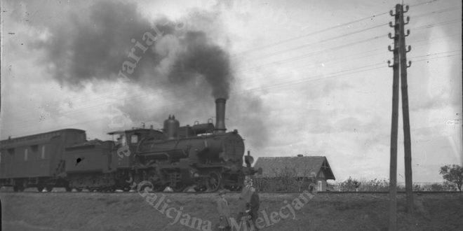 Parowa lokomotywa gdzieś w okolicach Mielca – kupimy stare fotografie
