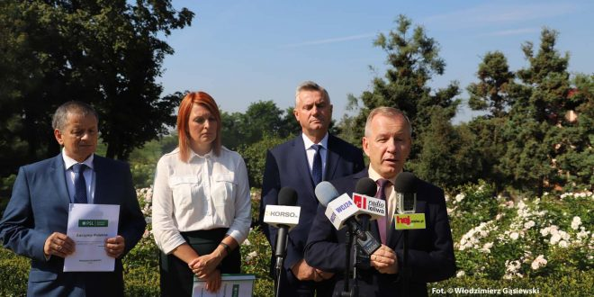 Konferencja prasowa mieleckich kandydatów PSL w wyborach do Sejmu RP
