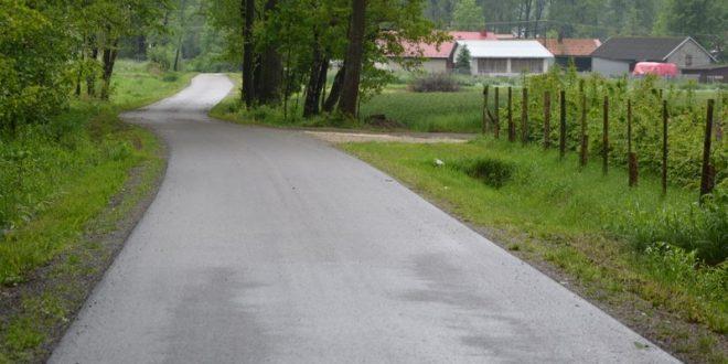 Nowe asfalty na drogach gminnych